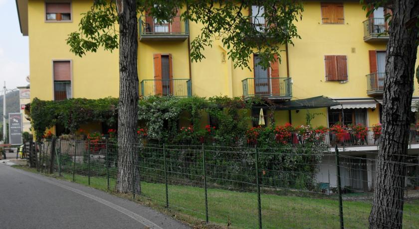 Lago di Garda Hotel MONTEBALDINA
