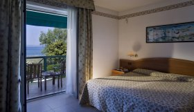 Lake Garda Hotel CAMPAGNOLA