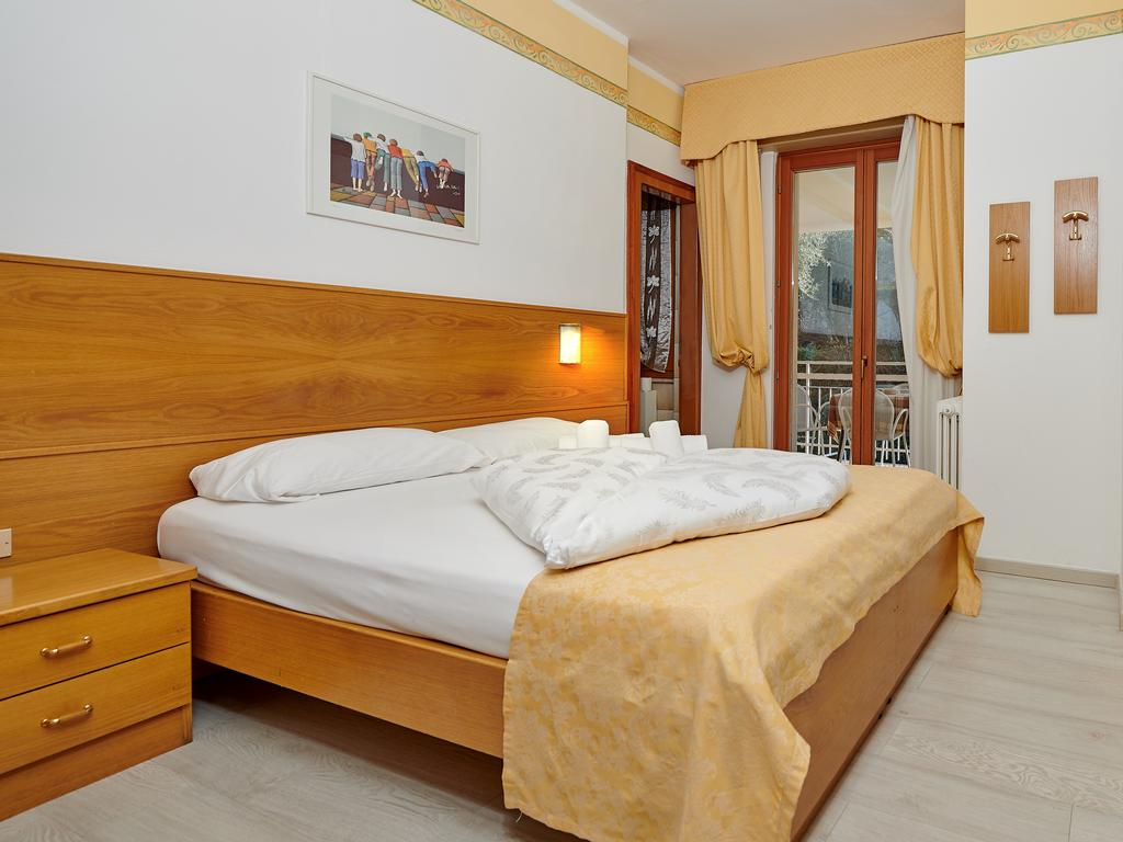 Three-bedded room standard without balcony