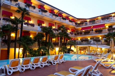 Hotel CAPRI | Bardolino