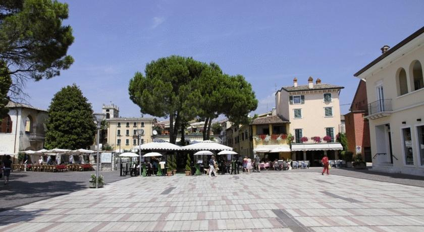 Hôtel ASTORIA | Garda