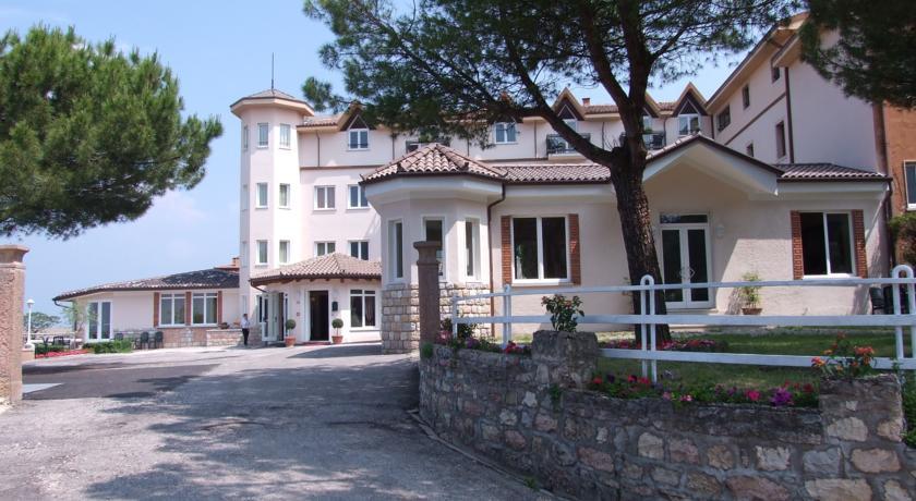 Hôtel BELLAVISTA | San Zeno di Montagna