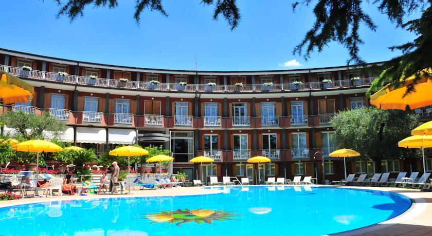 Hôtel CONTINENTAL | Garda
